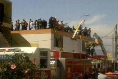 Helicóptero realizó aterrizaje de emergencia sobre casa en el Callao