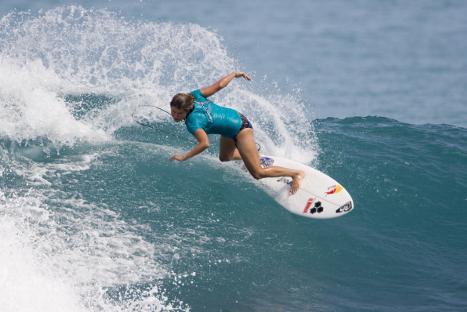 Sofia Mulanovich es una de las diez mejores surfistas del mundo