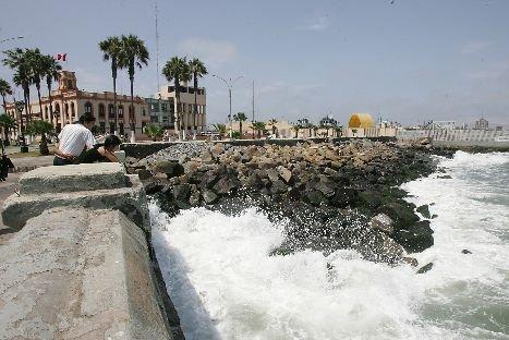 Lima y Callao registrarán oleajes anómalos hasta el jueves, advierte Indeci