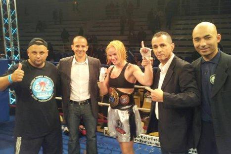 Valentina Shevchenko ganó campeonato mundial de Muay Thai