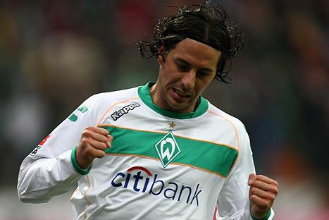 Pizarro se perdería última fecha de la Bundesliga por dolor de espalda