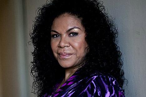 Eva Ayllon ofrecerá concierto sinfónico a las mamás por su día