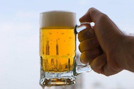 ¿La cerveza puede considerarse parte de una alimentación saludable?