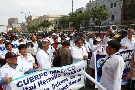 Trabajadores de Essalud  iniciarán huelga indefinida el 14 de septiembre
