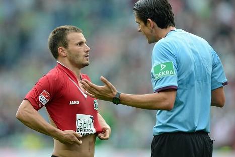 Alemania: Piden creación de una 'tarjeta verde' en el fútbol