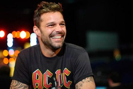 ¡Upps..! Ricky Martin se quedó en calzoncillos