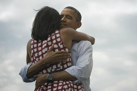 Fotografia de Barack y Michelle Obama rompe récords en redes sociales