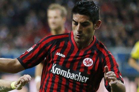 Perú vs Chile: Carlos Zambrano podría perderse partido por lesión en hombro