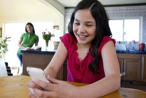 ¡Atención papas! Cuidado con las apps que tienen sus hijos en el celular