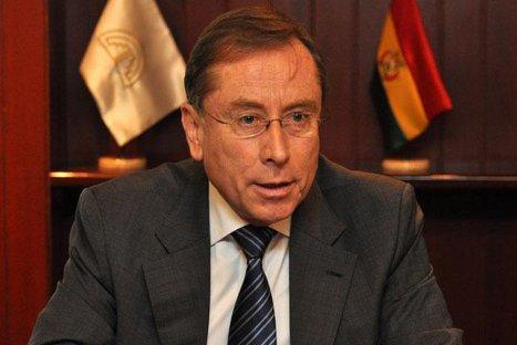 Embajador ecuatoriano Rodrigo Riofrío abandonó el Perú y no regresaría, según medios
