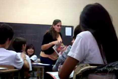 """""""¿Váyanse o vállanse?"""" La broma a una profesora que se volvió sensación en Youtube – VIDEO"""