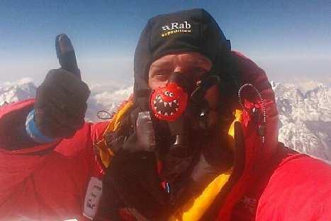Realizan videollamada desde la cima del Monte Everest – VIDEO