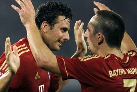 La 'pelea' de Claudio Pizarro y Franck Ribery por la Copa Alemana – VIDEO