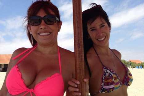 Magaly Medina se luce en bikini durante vacaciones en Punta Sal