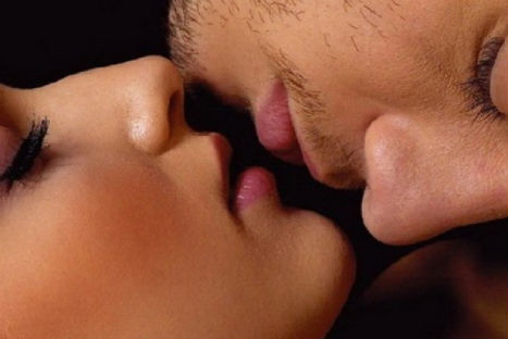 10 tips para encender la llama del amor en tus encuentros amorosos