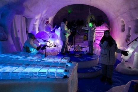 Increíble: construyen instrumentos musicales a base de hielo-VIDEO