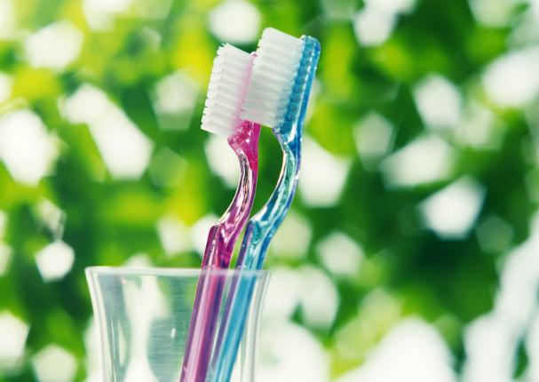 Uso correcto del cepillo de dientes - 2 4