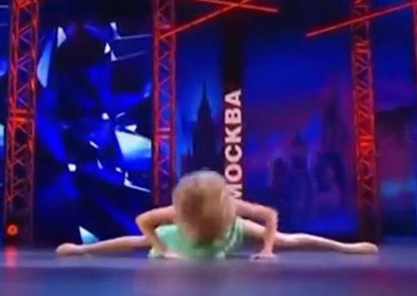 Ella se rompió la nariz pero decidió terminar su número de baile (VIDEO)