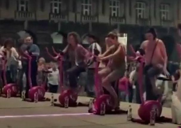 Mira la peculiar forma en que incentivaron a hacer ejercicios a las mujeres (VIDEO)