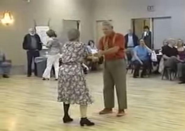 Ancianos Porno - Viejos verdes cachondos se propasan