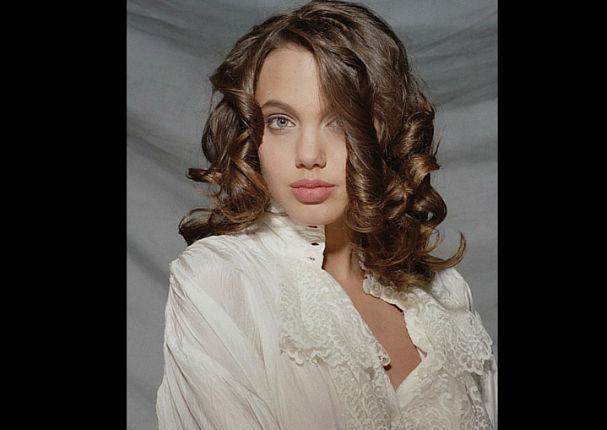 Angelina Jolie: Difunden fotos íntimas de la actriz cuando tenía 15 años