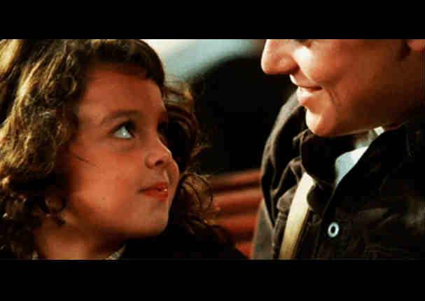 ¿Recuerdas a la niña que bailó con DiCaprio en 'Titanic'? Así luce ahora - FOTOS