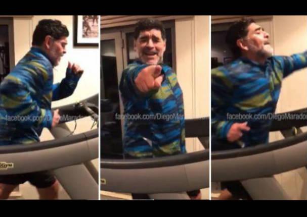 Maradona y su peculiar forma de bailar cumbia mientras entrena - VIDEO