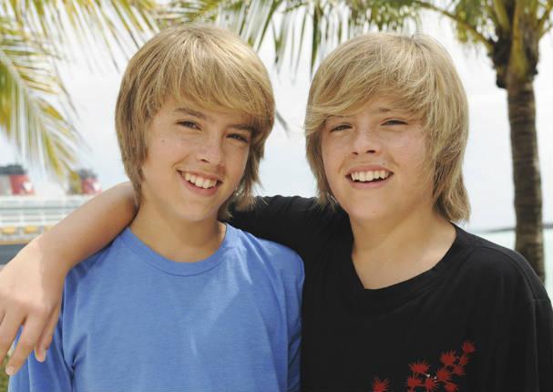 Mira el antes y después los actores de Zack y Cody, gemelos en acción