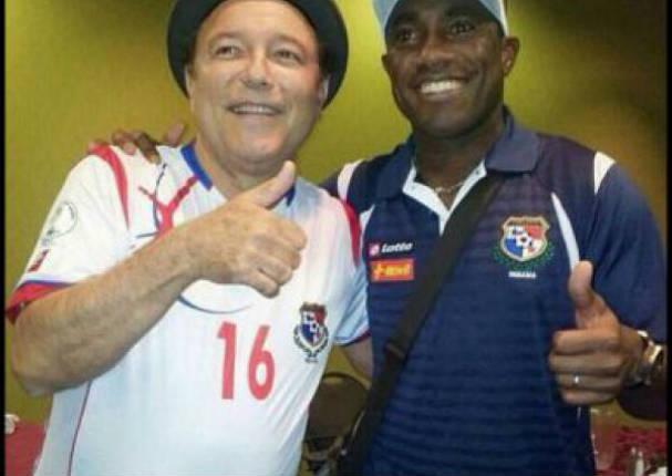 Luis Tejada quiere que Rubén Blades sea de Universitario