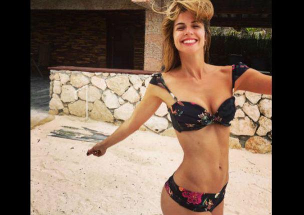 ¡Qué sexys! Stephanie Cayo y sus hermanas causan sensación al posar en diminuto bikini