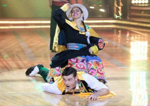 ¡Nadie lo podía creer! Ucraniano la rompe bailando huayno - VIDEO