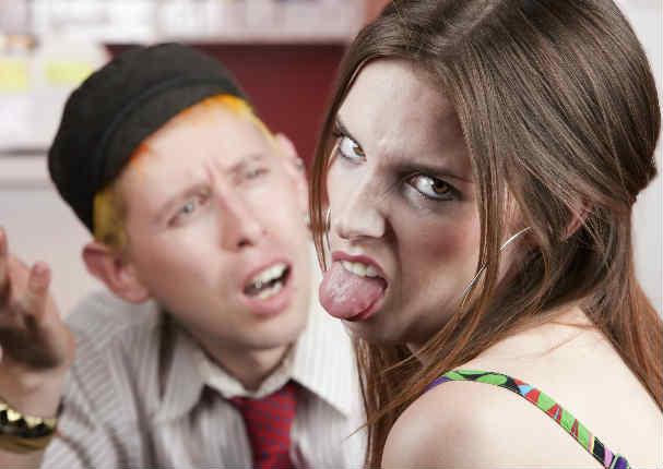 ¿Sientes que tu esposo te estresa más que tu hijo? No estás loca, este estudio te respalda