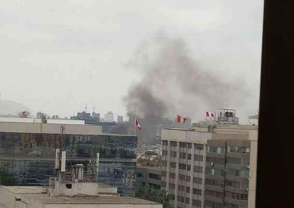 ¡Incendio! Cuatro explosiones se registraron en San Isidro