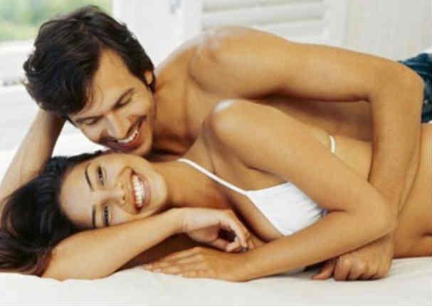 ¿Son felices? Estudio revela la cantidad ideal de intimida para ser felices en pareja