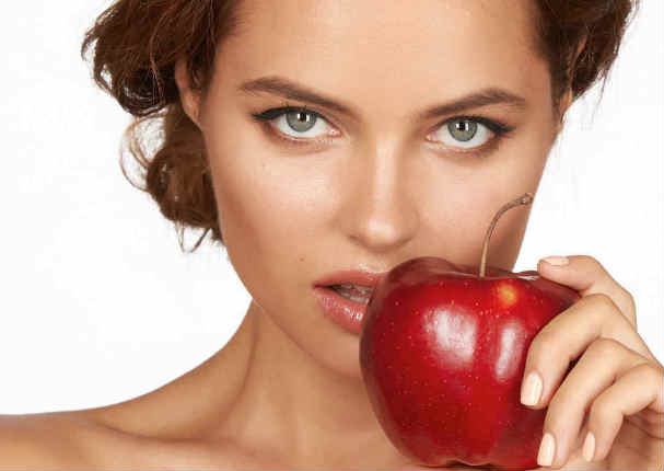¡Increíble! ¿Sabías que la manzana es un afrodisíaco para las mujeres?