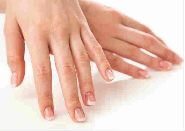 Adiós a las uñas quebradizas con este truco natural
