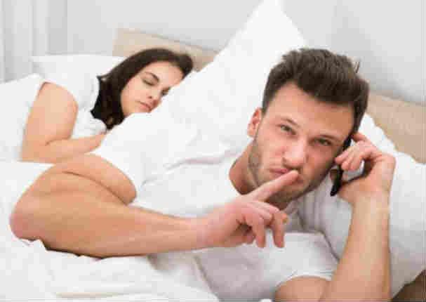 6 pistas que te ayudarán a saber si tu pareja te engaña