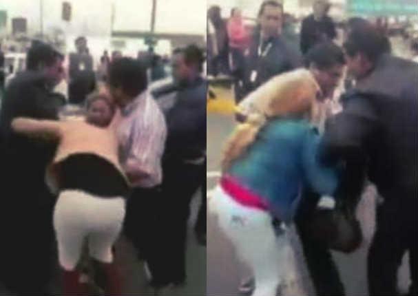 Mujer enfurecida agrede a supuesta amante de su esposo - VIDEO
