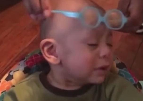 ¡Mira la reacción de este niño viendo por primera vez! (VIDEO)