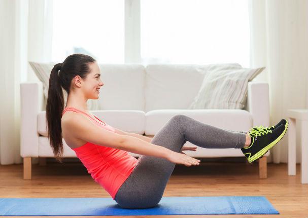 Ponte en forma desde casa con estos ejercicios (VIDEO)