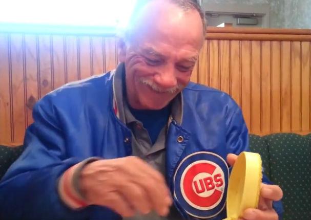 Viral: Mira la reacción de este hombre al enterarse que será abuelo (VIDEO)