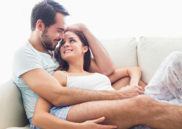 8 señales que demuestran que le gustas a alguien