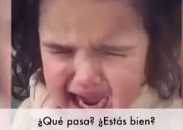 Viral: Mira como esta niña deja de llorar cuando le ofrecen comida (VIDEO)