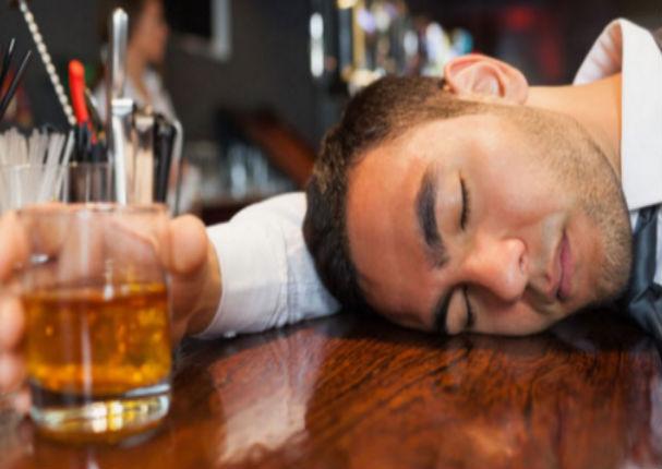 Este es el truco que evitará que te emborraches