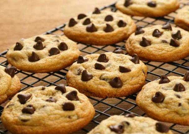 Receta: Prepara galletas con chispas de chocolate