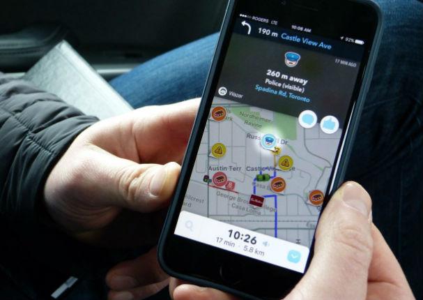 Descubre por qué la voz de GPS debe ser solo de mujer