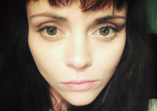 Mira cómo luce Merlina, 25 años después de 'Los Locos Addams' (FOTOS)