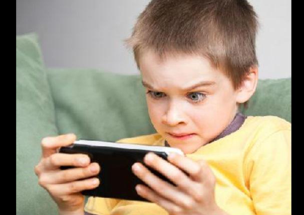¿Sabías que usar mucho el celular causa trastornos mentales?