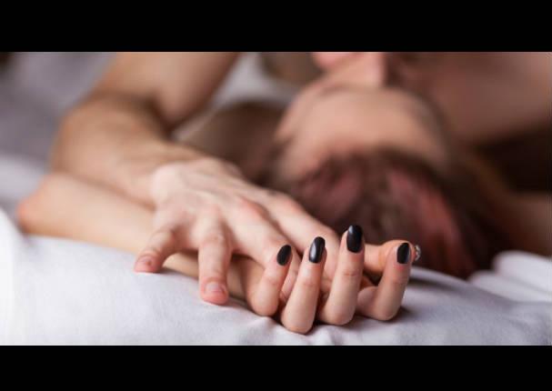 Pareja: Mira sus manos y sabrás si es infiel o no