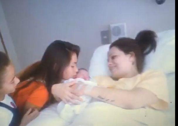 Melissa Klug y Jefferson Farfán: Se publicaron fotos del nacimiento de su hijo menor (FOTOS)